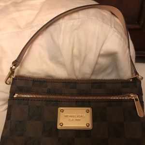 Michael Kors wristlet purse